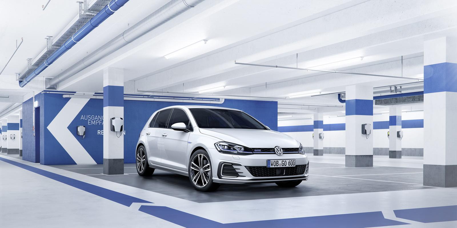 New-2017-Volkswagen-Golf-11