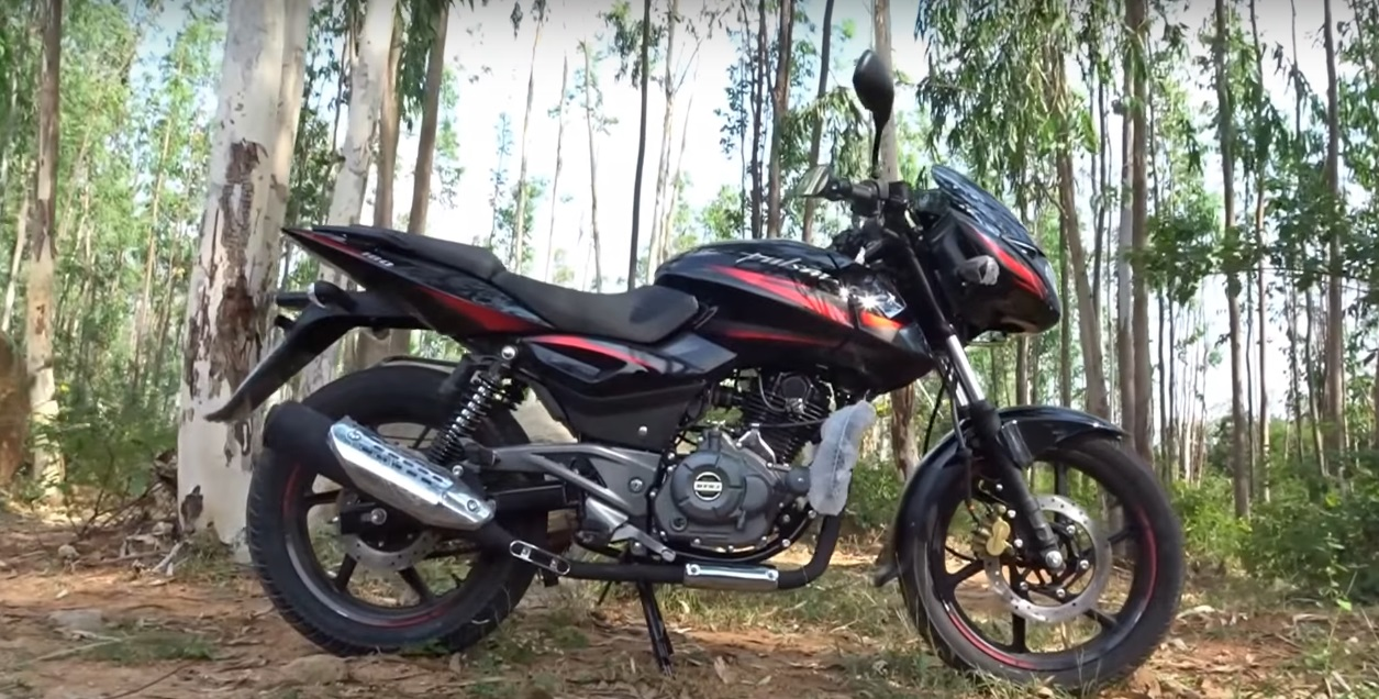 New Bajaj Pulsar 180 Spied Now Comes Equipped With A Rear Disc