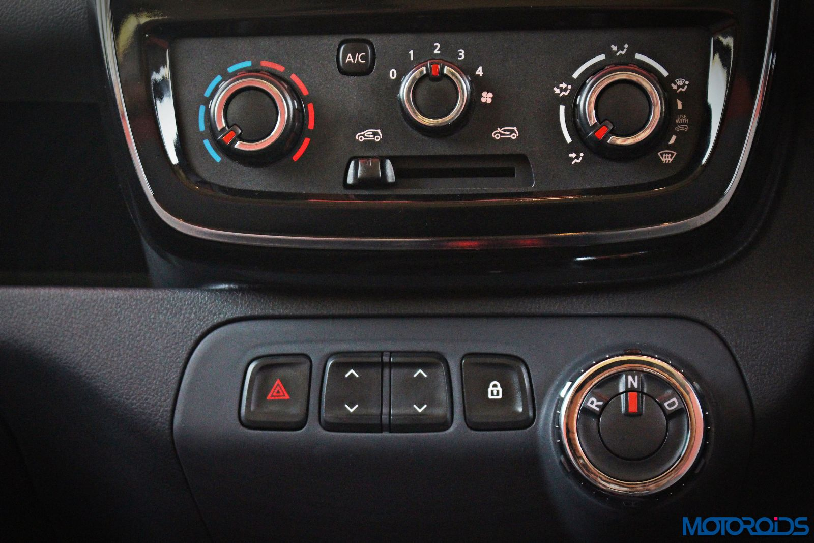 renault-kwid-easy-r-amt-center-console