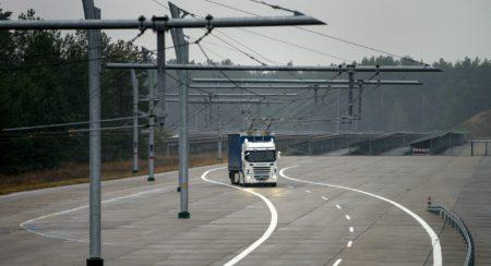 electric-highway-truck
