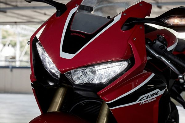 new-2017-Honda-CBR1000RR-7-600x399