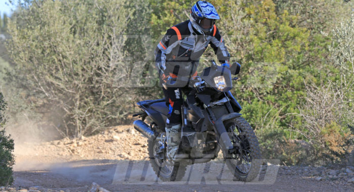 2018 ktm 800. modren ktm spied  2018 ktm 800 adventure goes offroading clearest images yet   motoroids with ktm 2