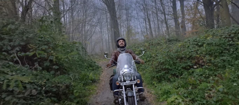 Bajaj-Avenger-Ride-Dont-Hide-4