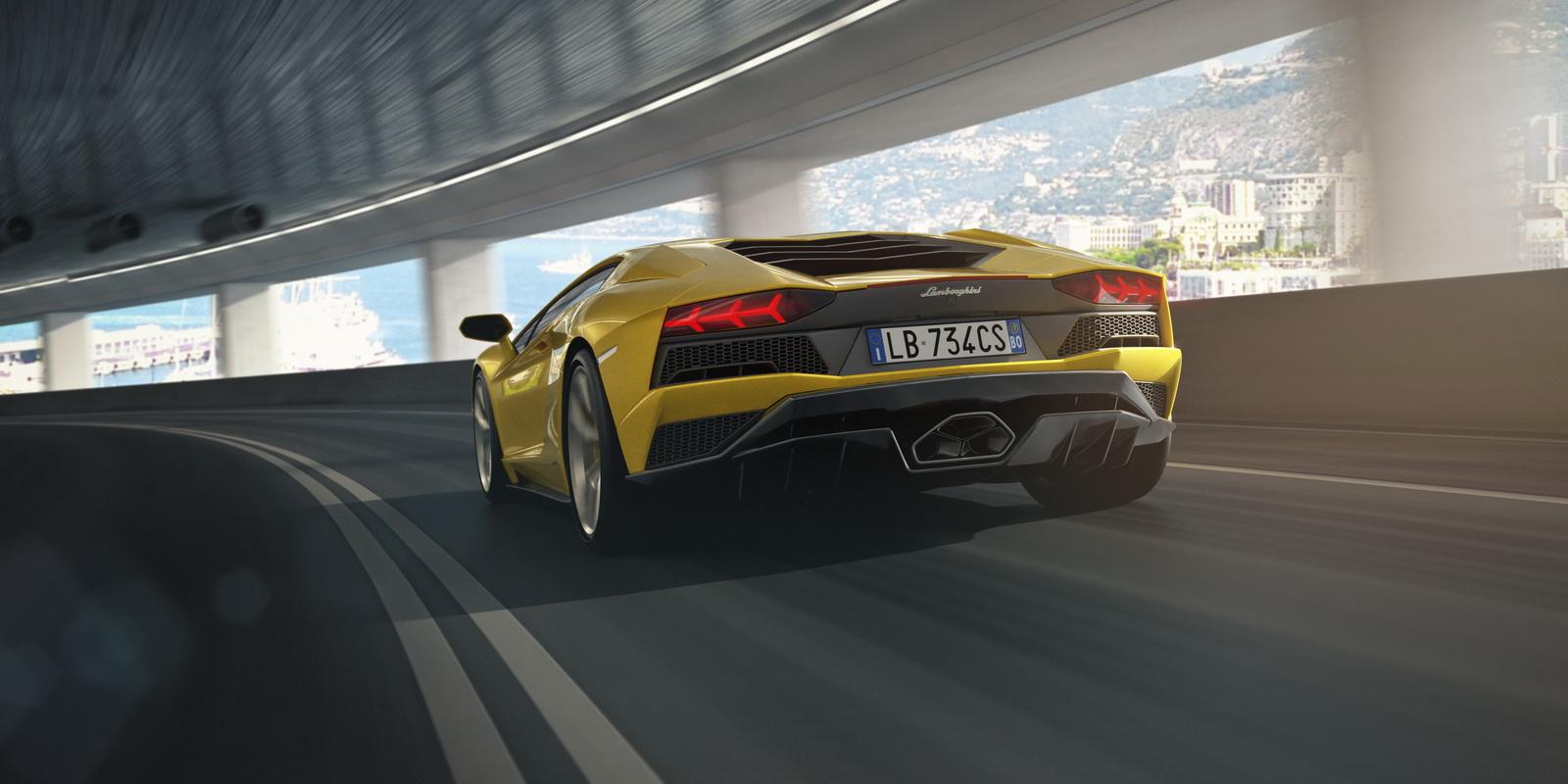 Lamborghini-Aventador-S-Coupé-8