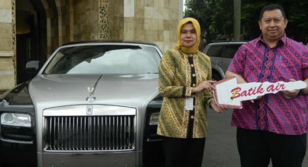 Lottery Winner Leaves Calls Unanswered; Rolls-Royce Gift Given Away to Ministry of Social Affairs (1