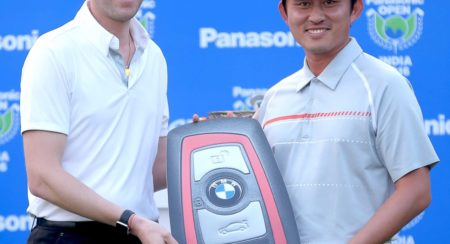 South Korean Golfer Sung Lee drives home a BMW Z4 (3)