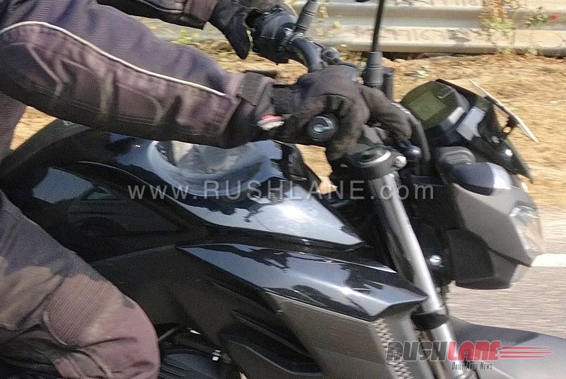 Upcoming-Yamaha-FZ25-Spyshots-7
