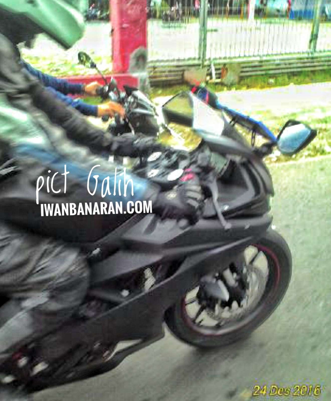 UPDATE: NEW IMAGES] Is this the upcoming Yamaha YZF-R15