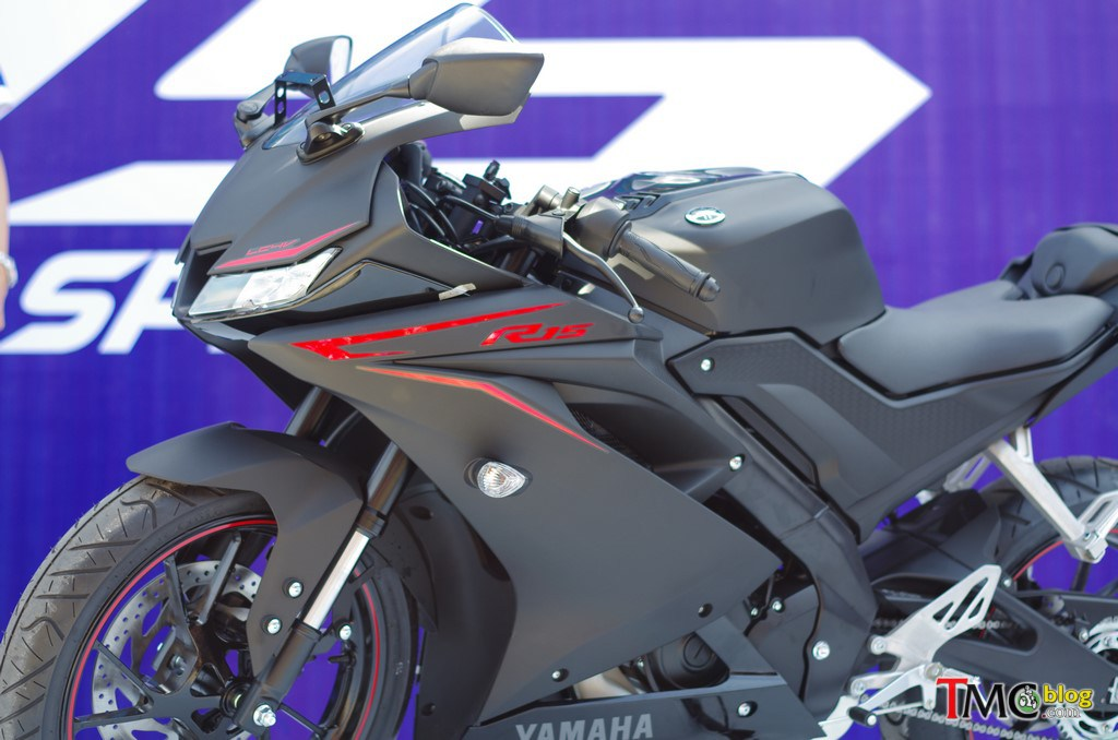 2017-Yamaha-YZF-R15-V3-Indonesia-Launch-1
