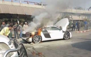 Audi R8 V10 Burns To A Crisp In Bangladesh 3 320x200 Heartbreaking Images: Bangladeshs Only Audi R8 V10 Burns To A Crisp