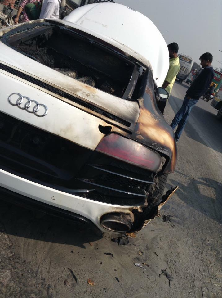 Audi-R8-V10-Burns-To-A-Crisp-In-Bangladesh-4