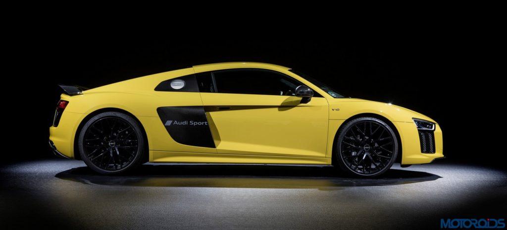 Audi-R8-inscribed-sideblade-script-1-1024x464