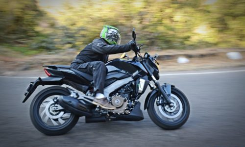 Bajaj Dominar 400 Action shots 11 500x300 Bajaj Dominar 400 Exhaustive Performance Review : Not a Dram of Islay Malt But...