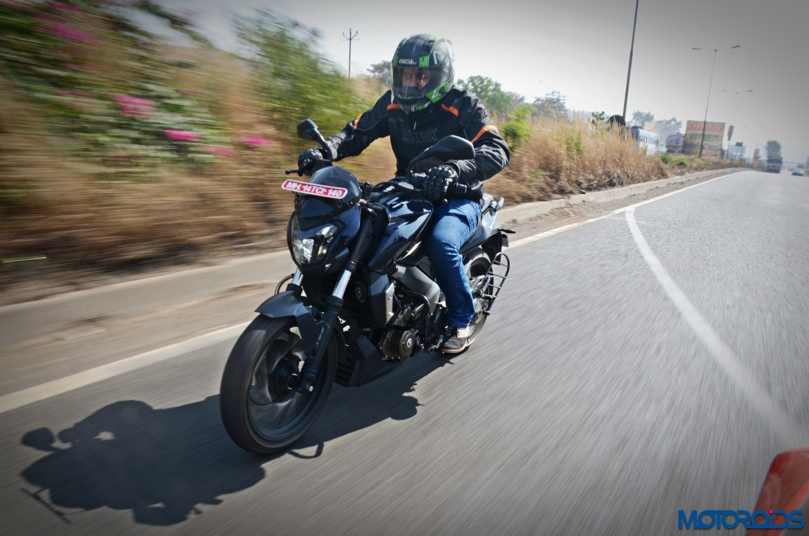 Bajaj-Dominar-400-in-action-3