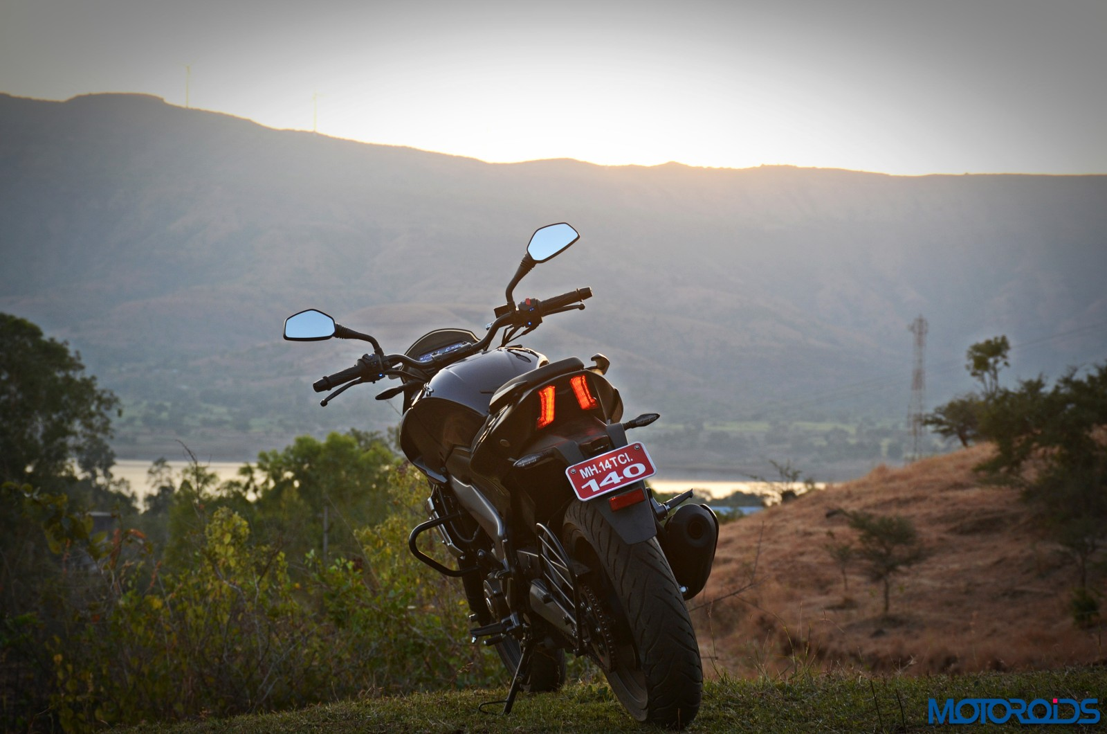 Bajaj-Dominar-400-rear-1