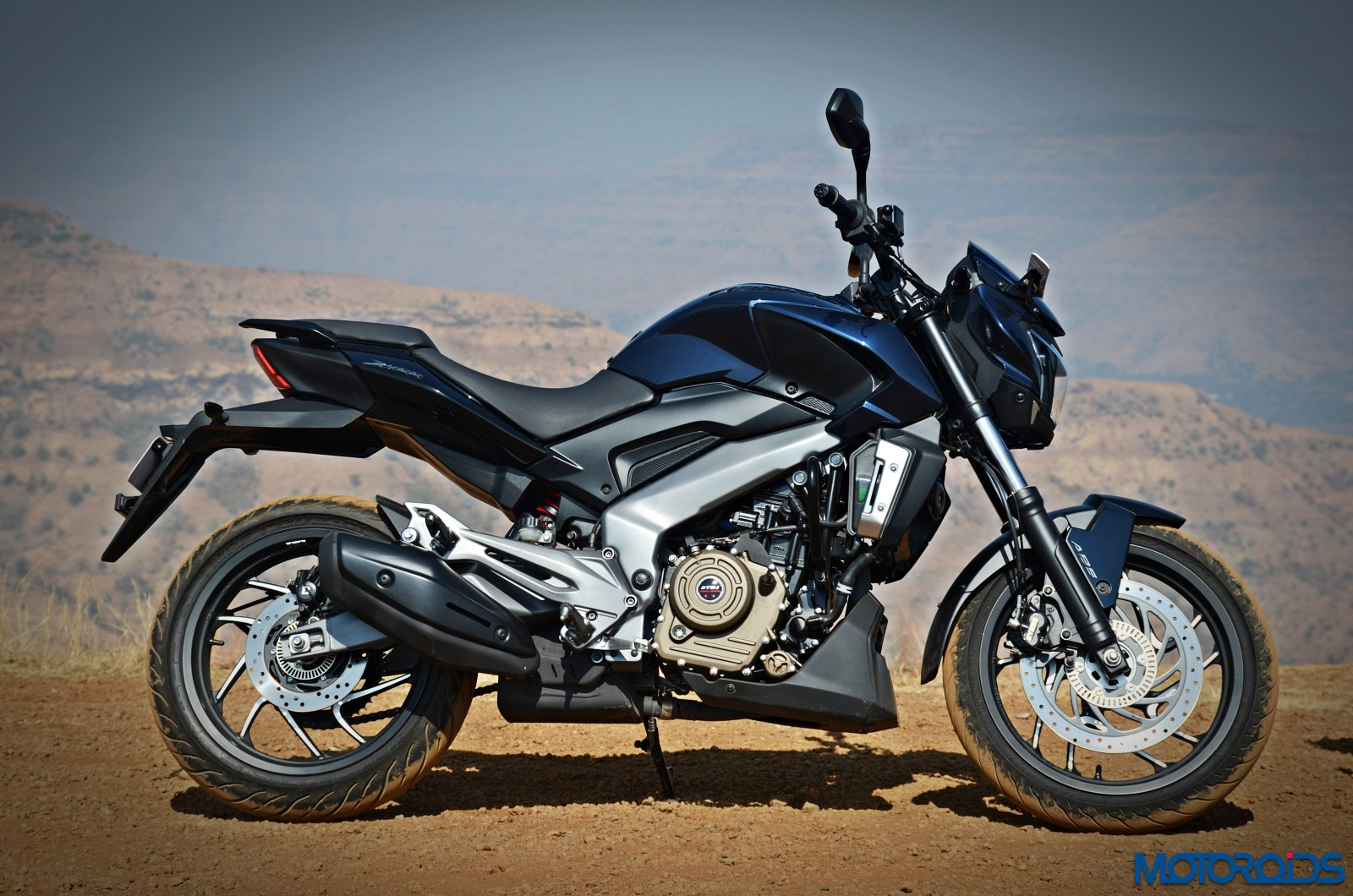 Bajaj-Dominar-400-side-profile
