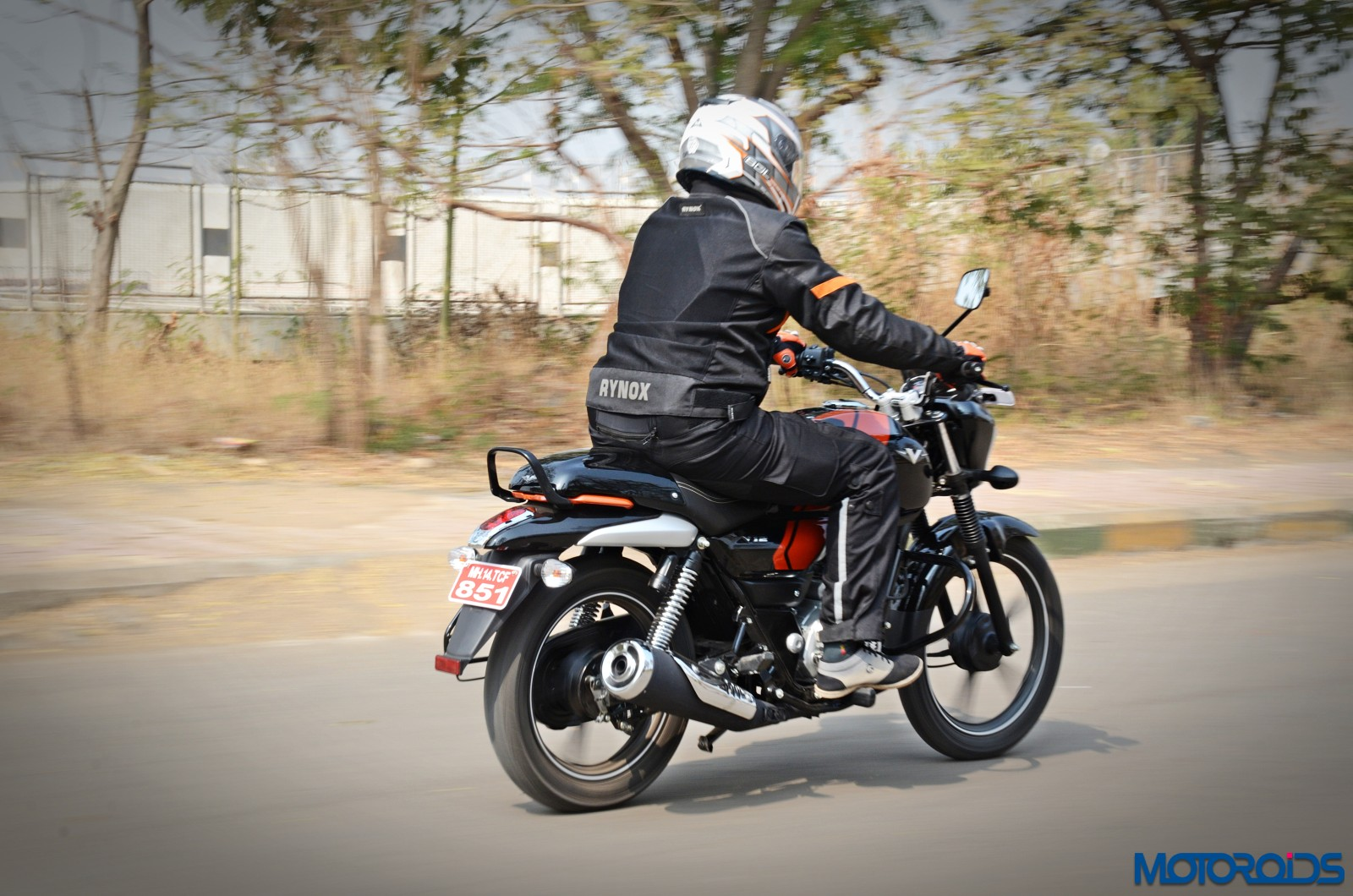Bajaj-V12-Review-Action-Shots-10