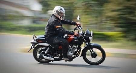 Bajaj V12 Review - Action Shots (14)