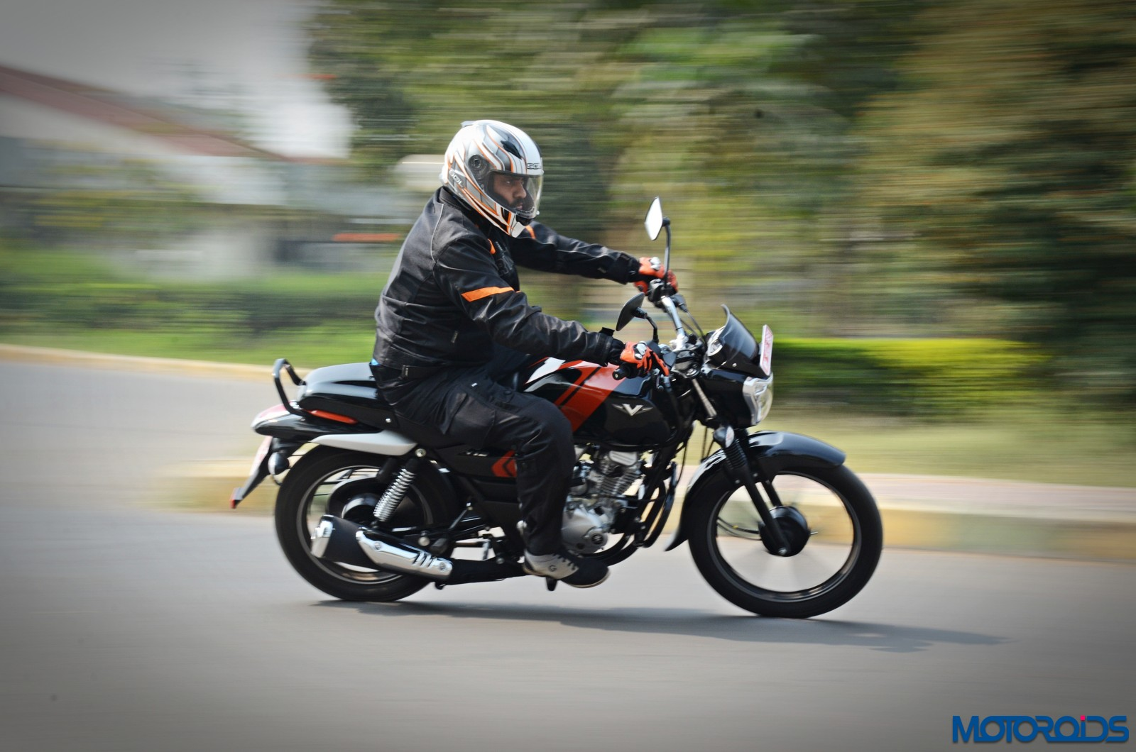 Bajaj-V12-Review-Action-Shots-14