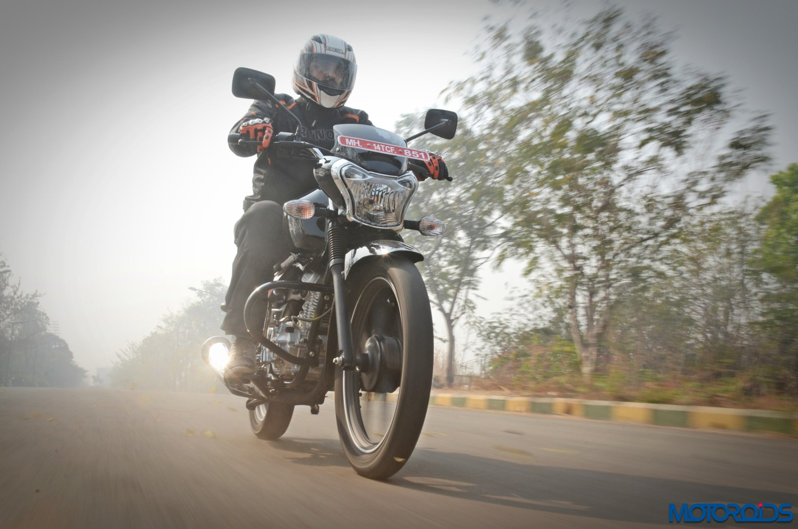 Bajaj-V12-Review-Action-Shots-4
