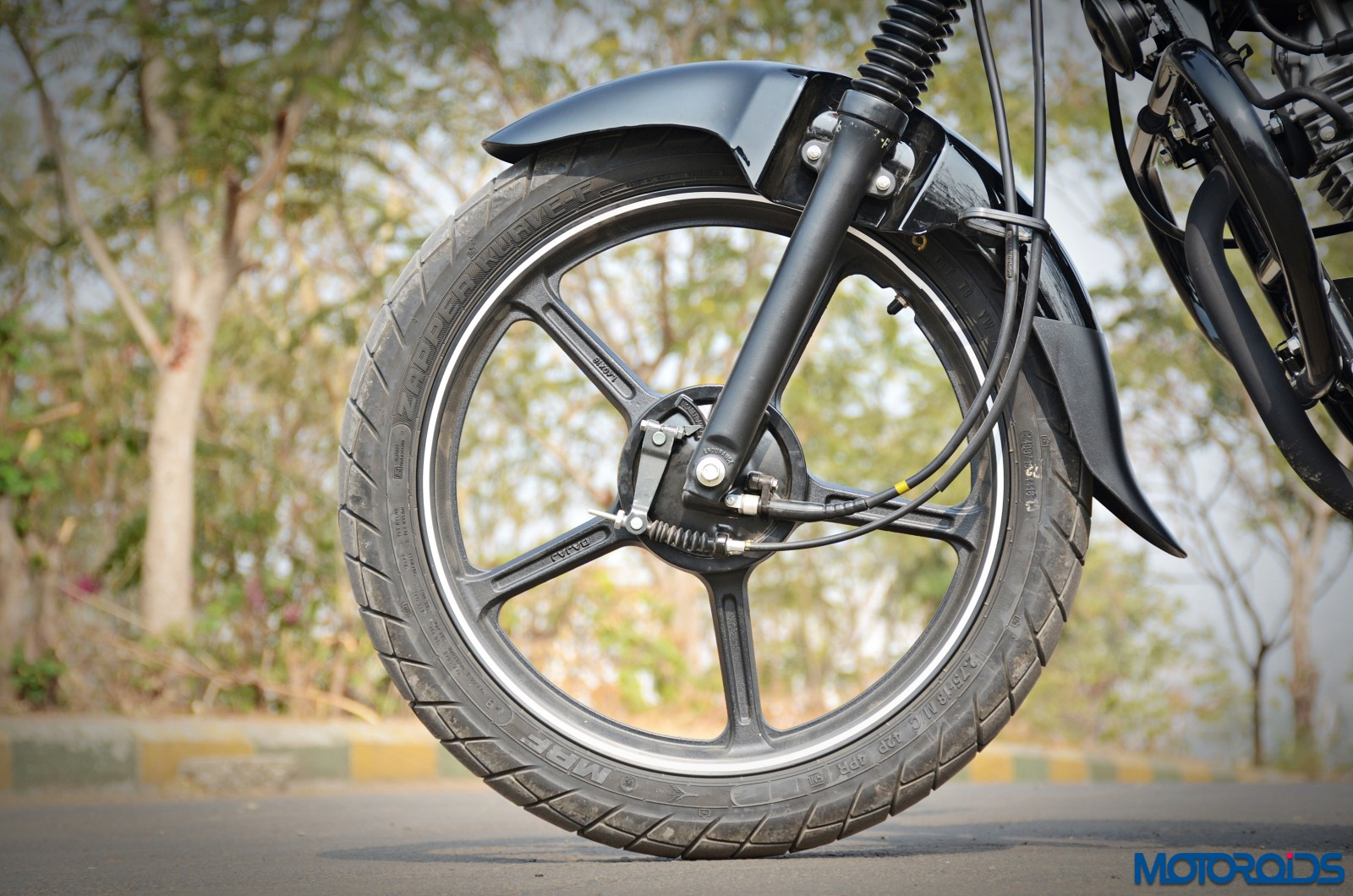 Bajaj-V12-Review-Details-3
