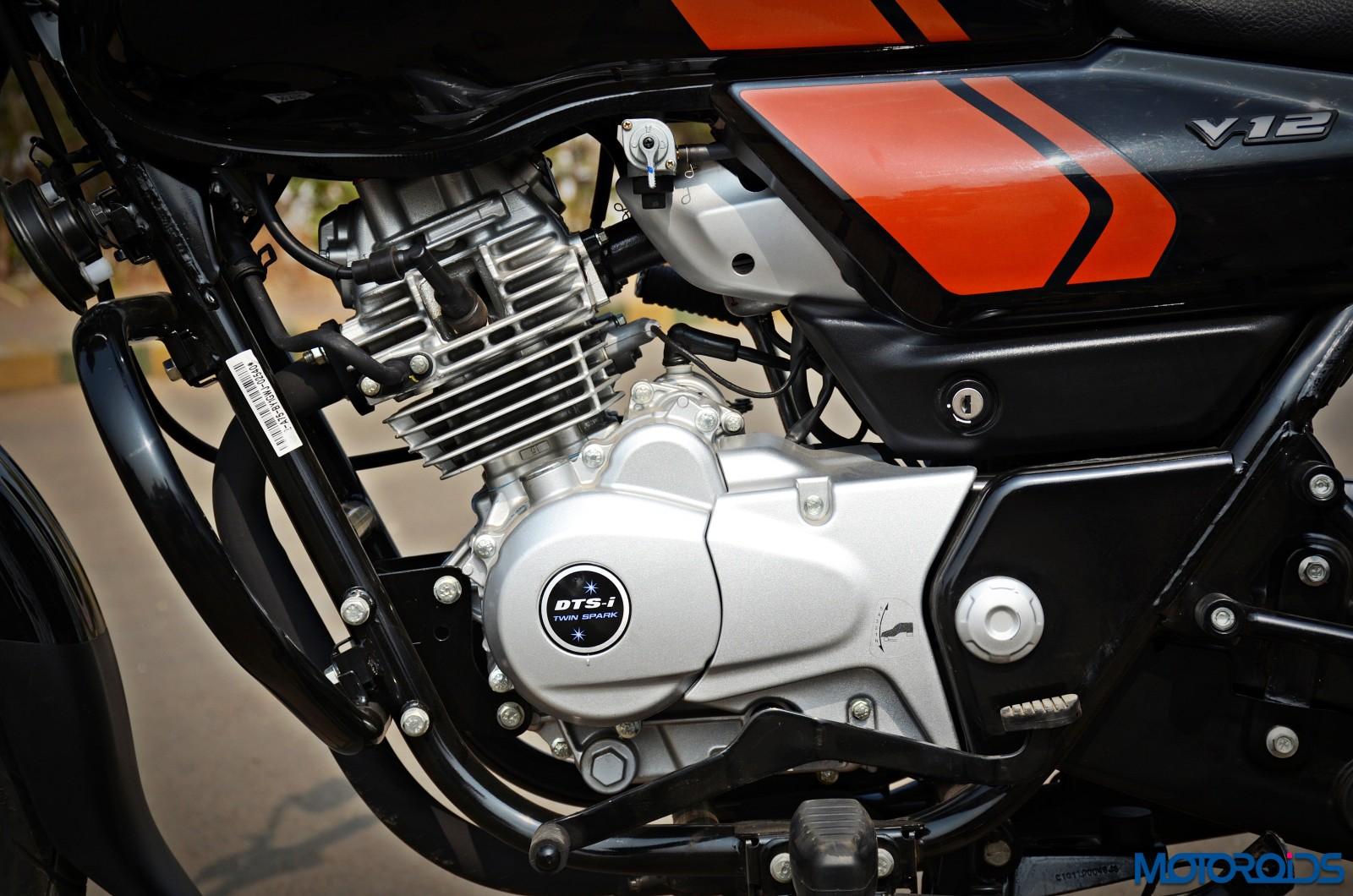 Bajaj-V12-Review-Details-34