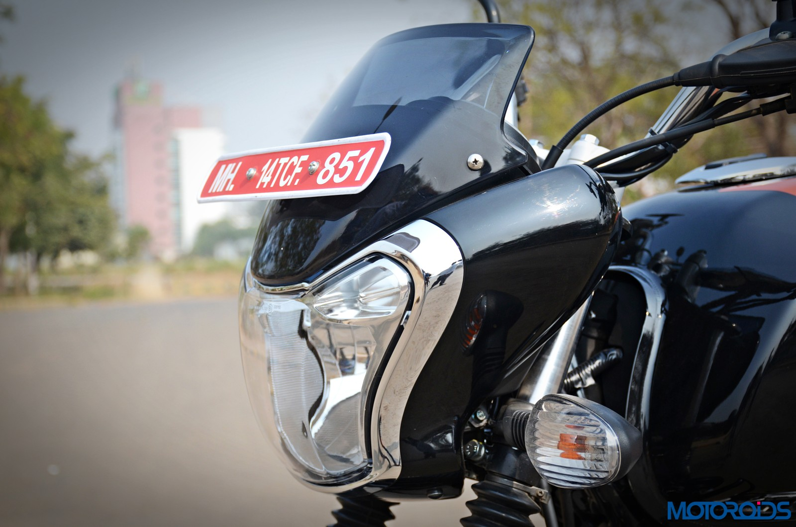 Bajaj-V12-Review-Details-6