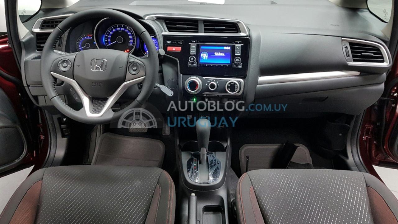 Honda-WR-V-interiors-spied