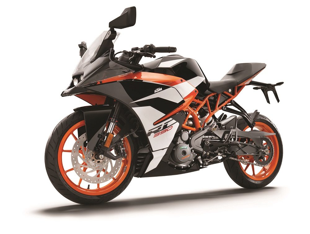 KTM-RC-390-front-left-MY-2017