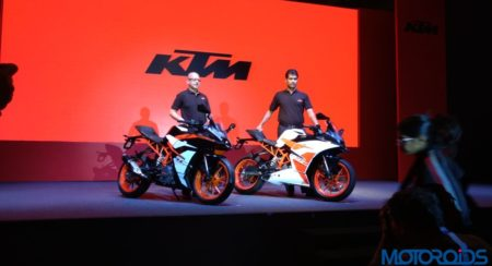 New 2017 KTM RC390 and RC200 Launched in India, Priced At INR 2.25 lakh and INR 1.71 Lakh Respectively