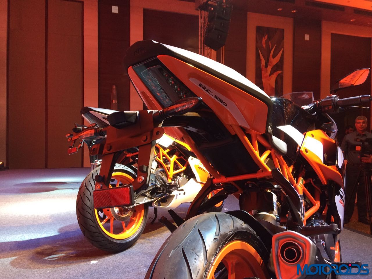 KTM-RC390-and-RC200-India-Launch-New-9