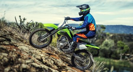 Kawasaki KLX140 - Official Photographs (2)