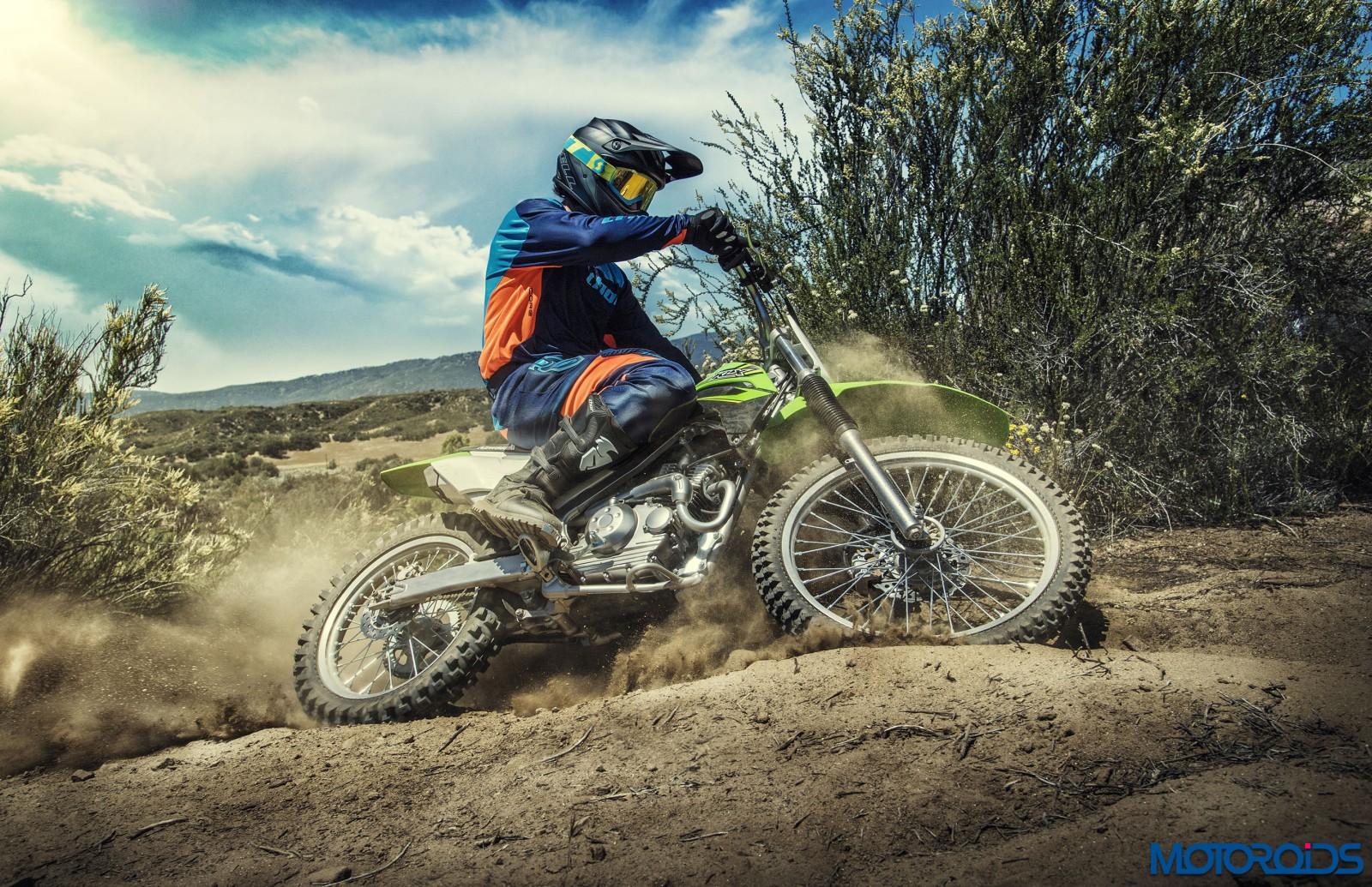 Kawasaki-KLX140-Official-Photographs-4