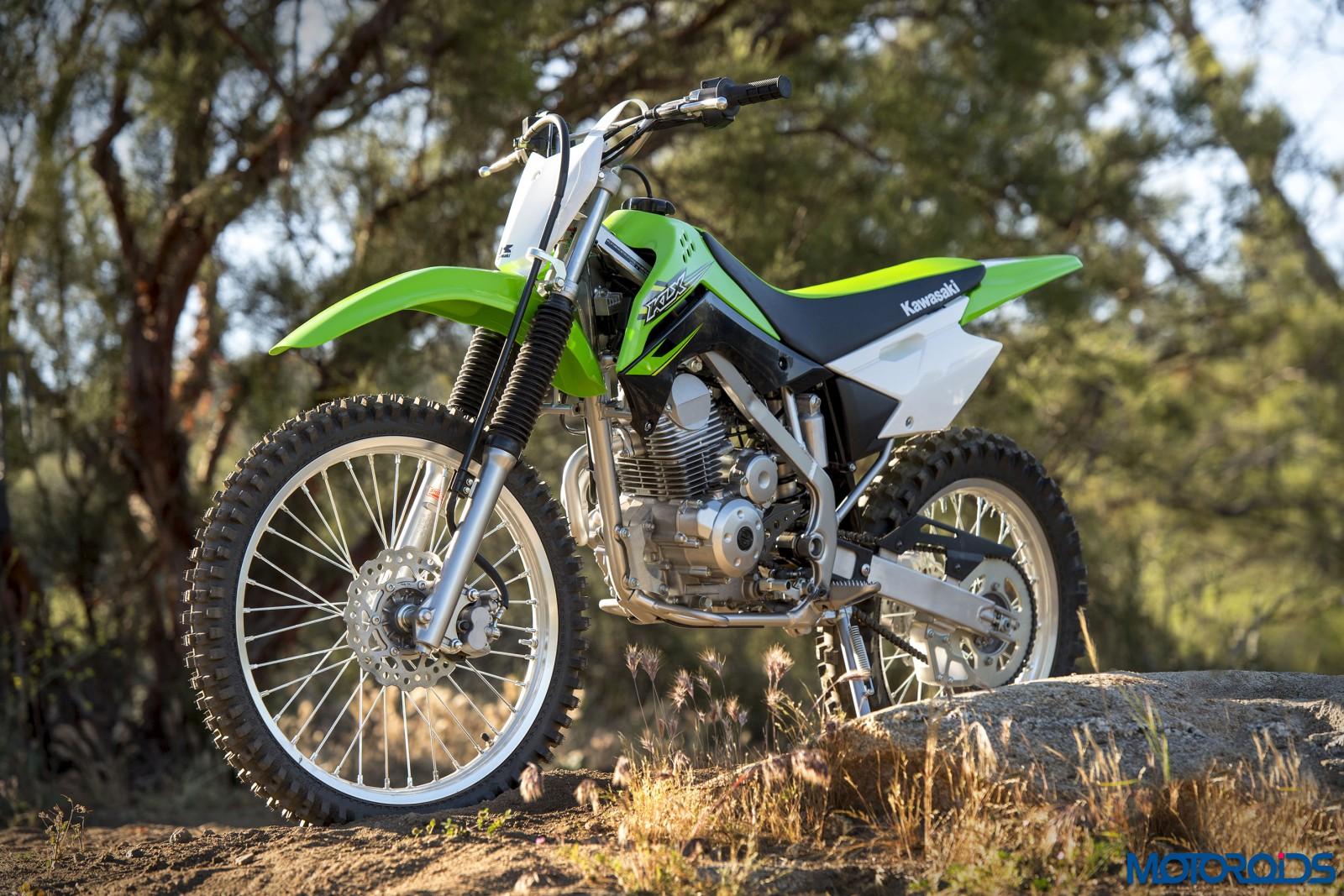 Kawasaki-KLX140-Official-Photographs-7
