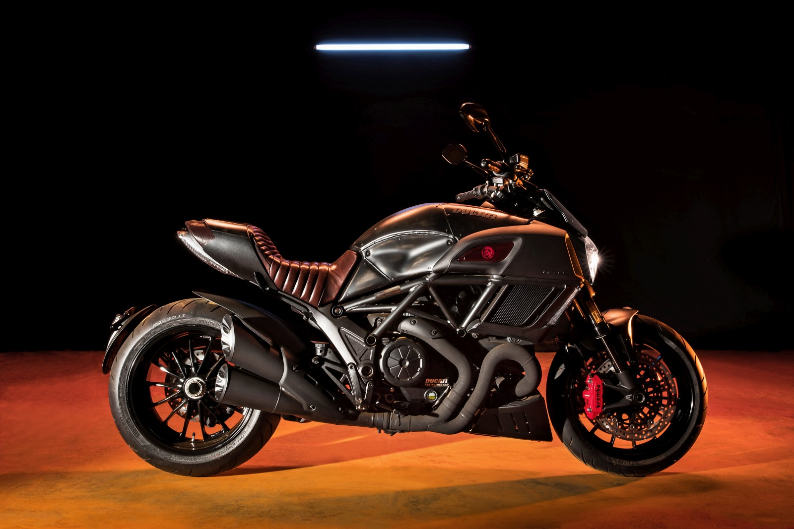 Limited-Edition-Ducati-Diavel-Diesel-1