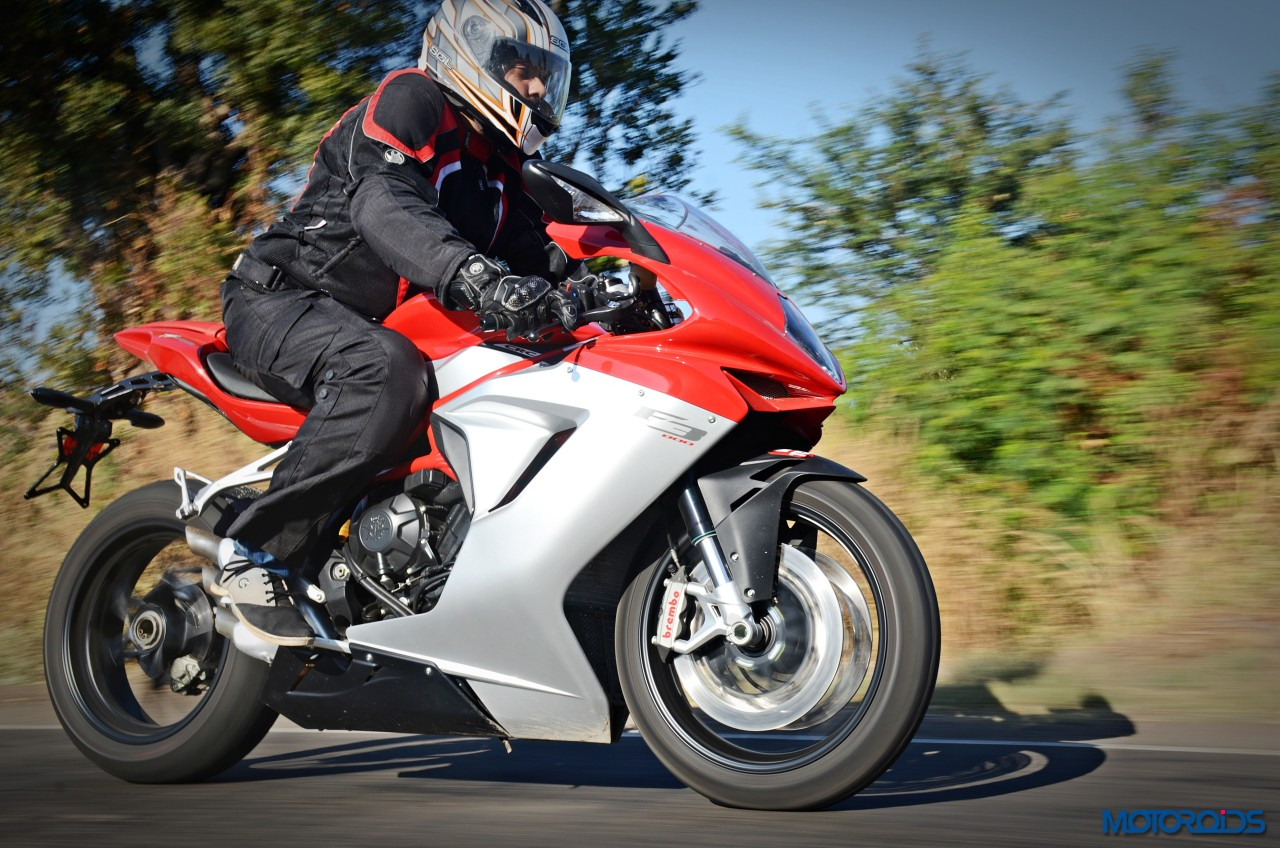 MV-Agusta-F3-800-India-Review-Action-2
