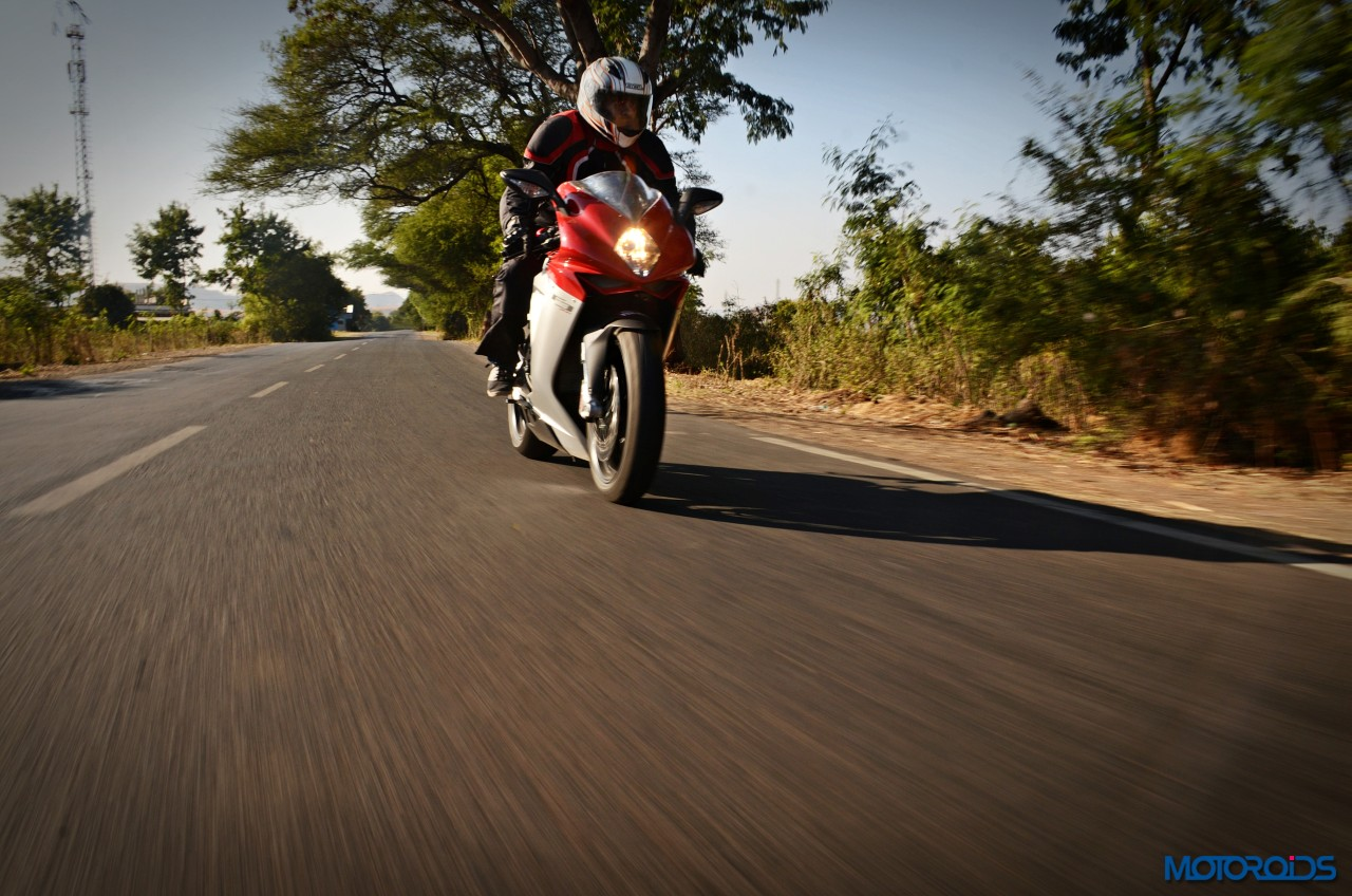 MV-Agusta-F3-800-India-Review-Action-6