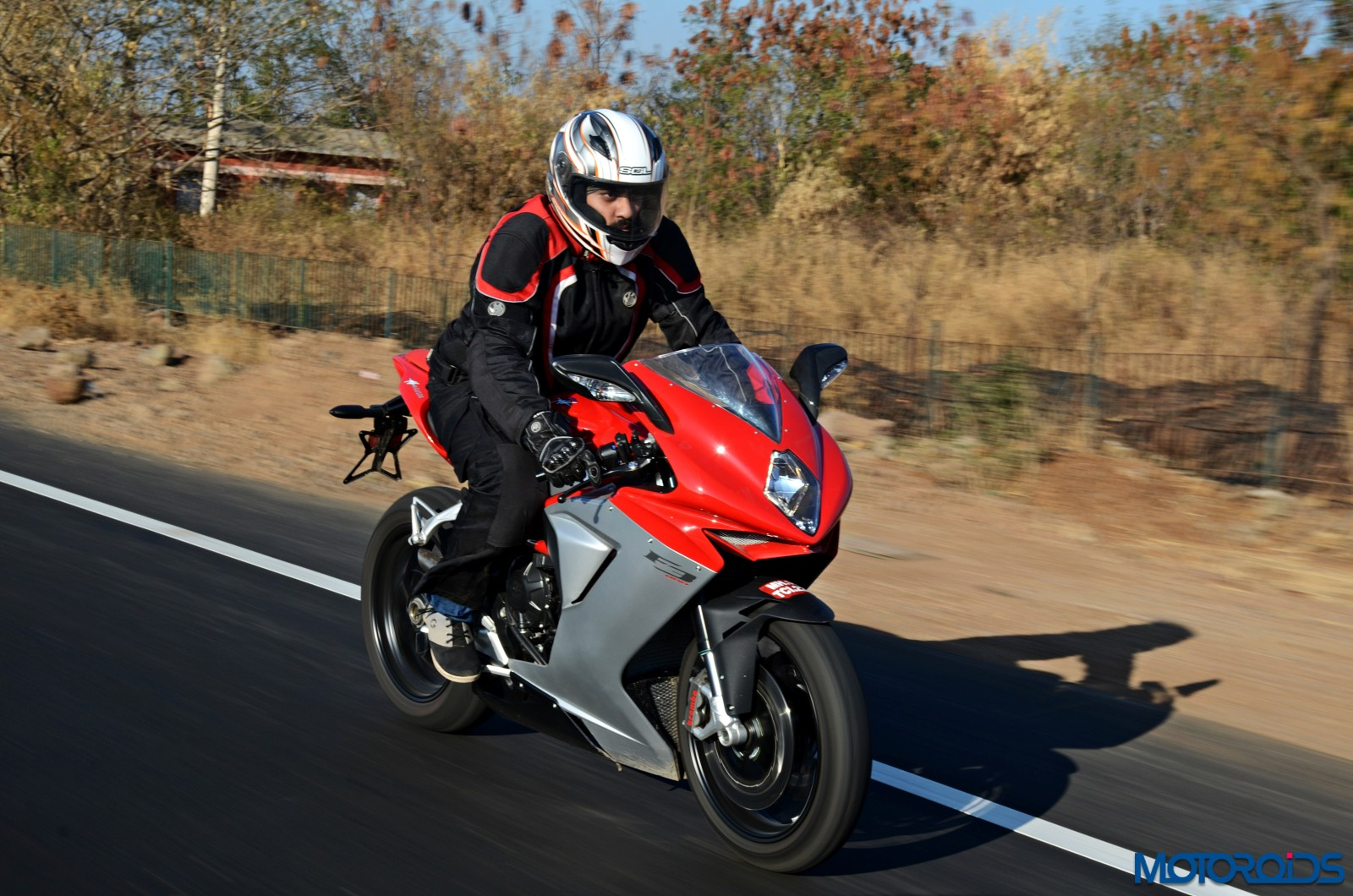 MV-Agusta-F3-800-Review-Action-Shots-20