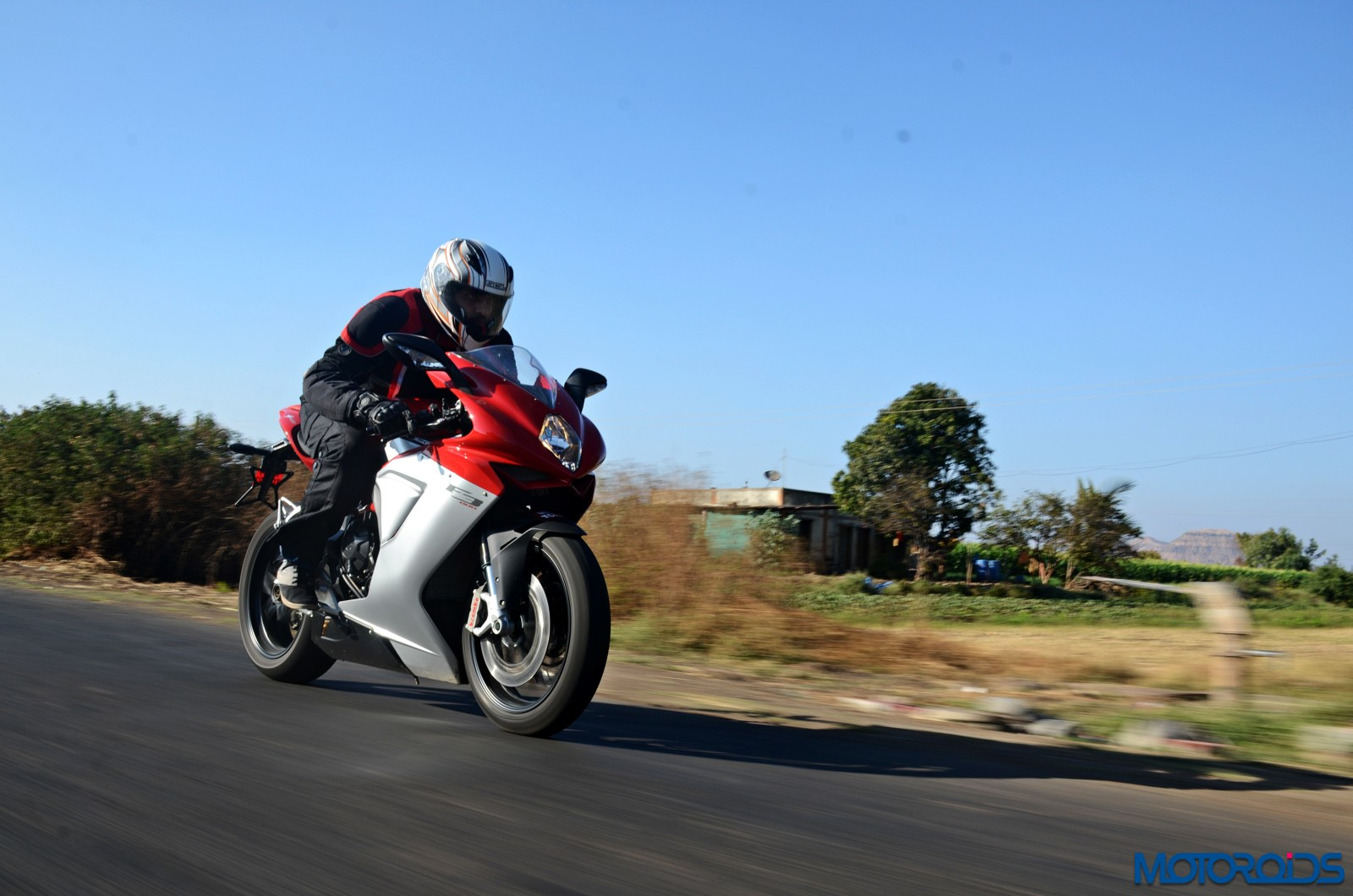 MV-Agusta-Review-Action-Shots-New-10