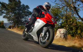 MV Agusta Review Action Shots New Feature Image 320x200 MV Agusta F3 800 Review : Pretty Little Nuke