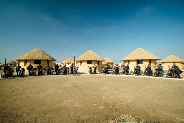 Mahindra-MOJO-Desert-Trail-Picture-01-600x401