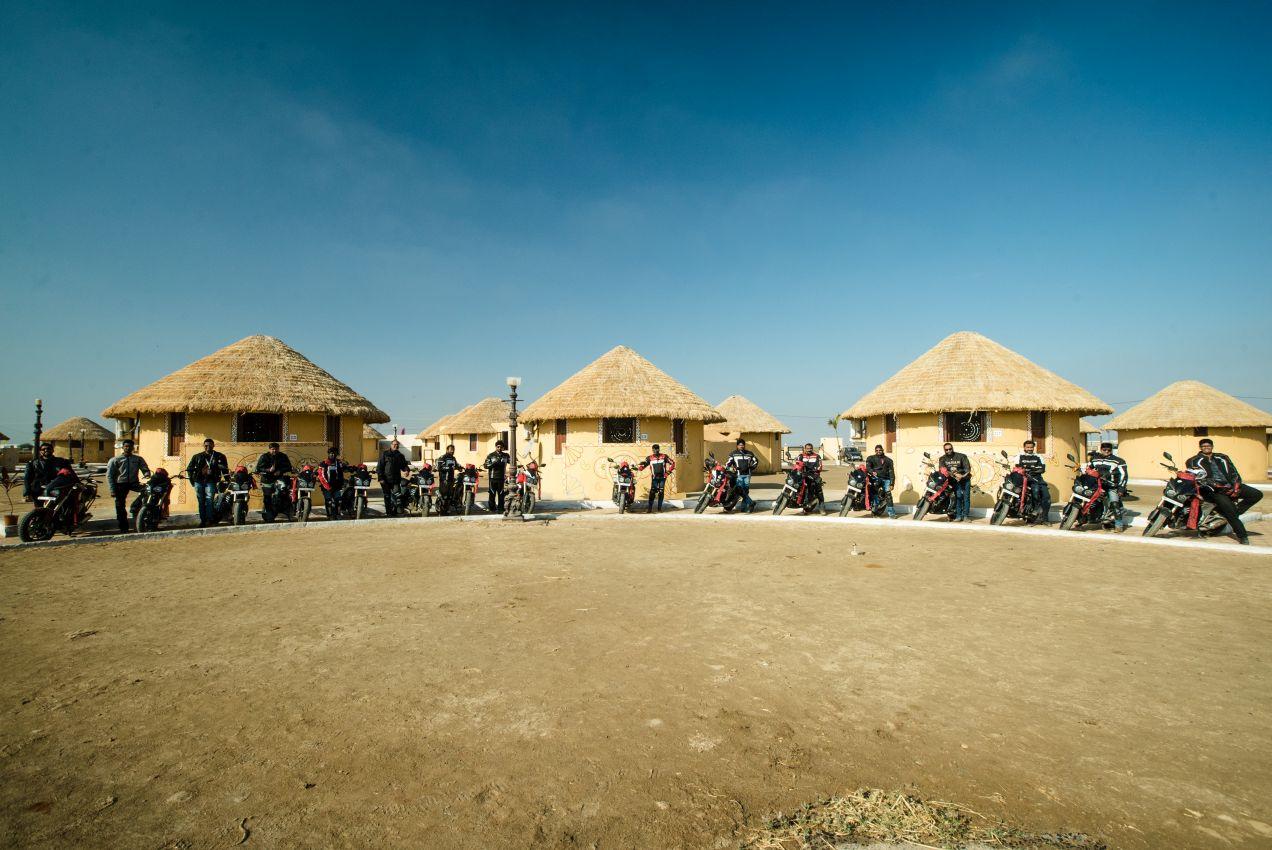 Mahindra-MOJO-Desert-Trail-Picture-01