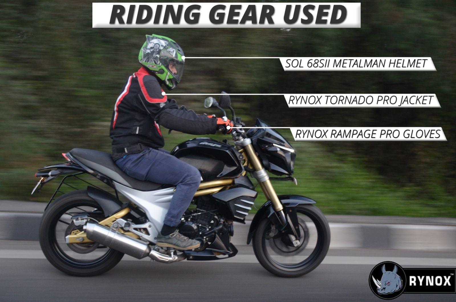 Mahindra-Mojo-Riding-Gear