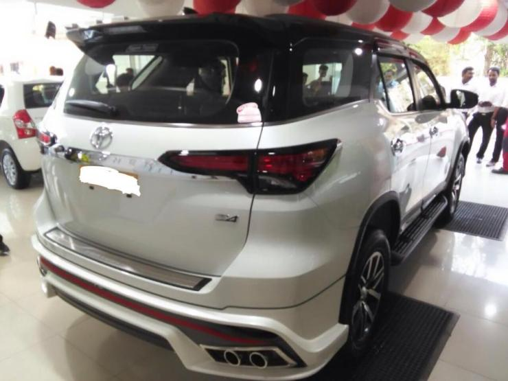 Modified-Toyota-Fortuner-with-NIppon-body-kit-3