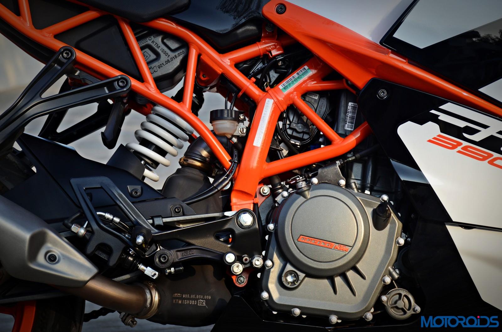 New-2017-KTM-RC390-24