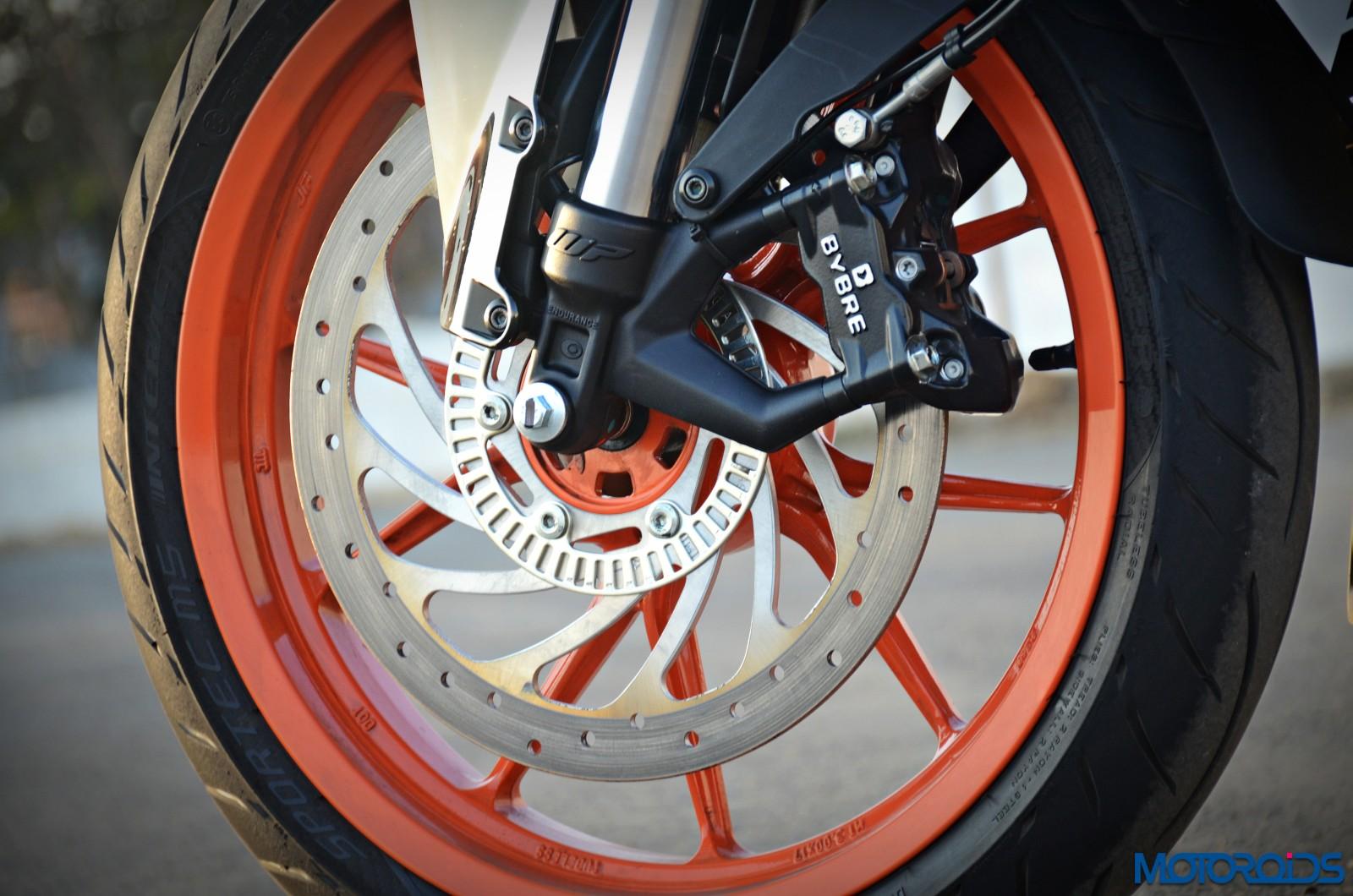 New-2017-KTM-RC390-front-brake