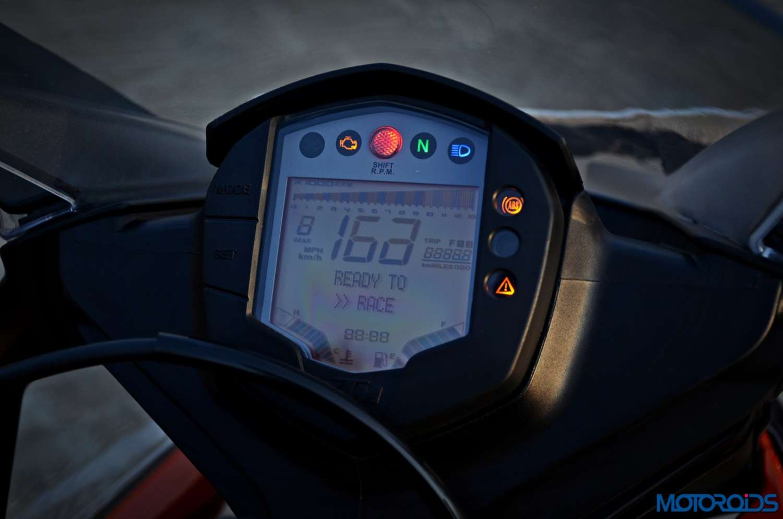 New-2017-KTM-RC390-instruments