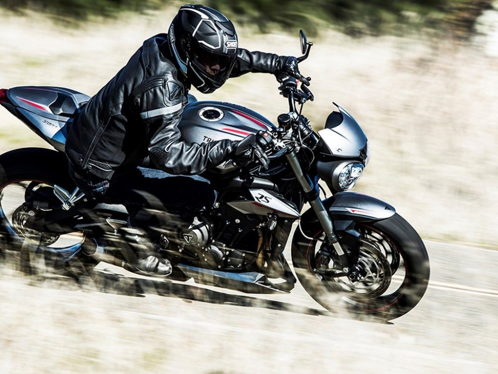 New-2017-Triumph-Street-Triple-9