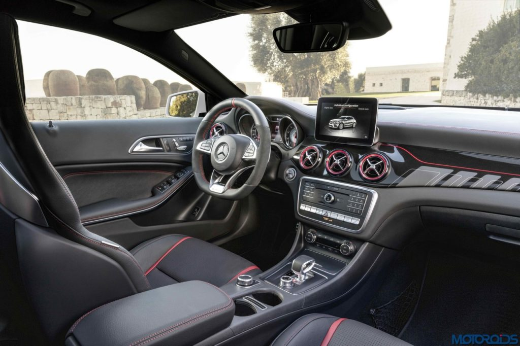 New-Mercedes-AMG-GLA-45-Interior-2-1024x682