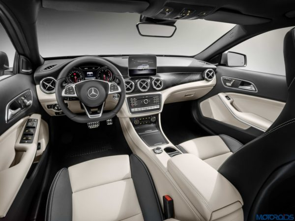 New Mercedes-Benz GLA Interior (5)
